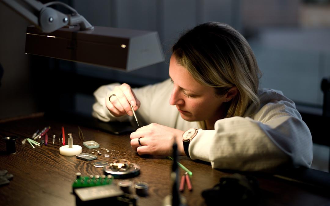 Industria relojera suiza incrementa su fuerza laboral