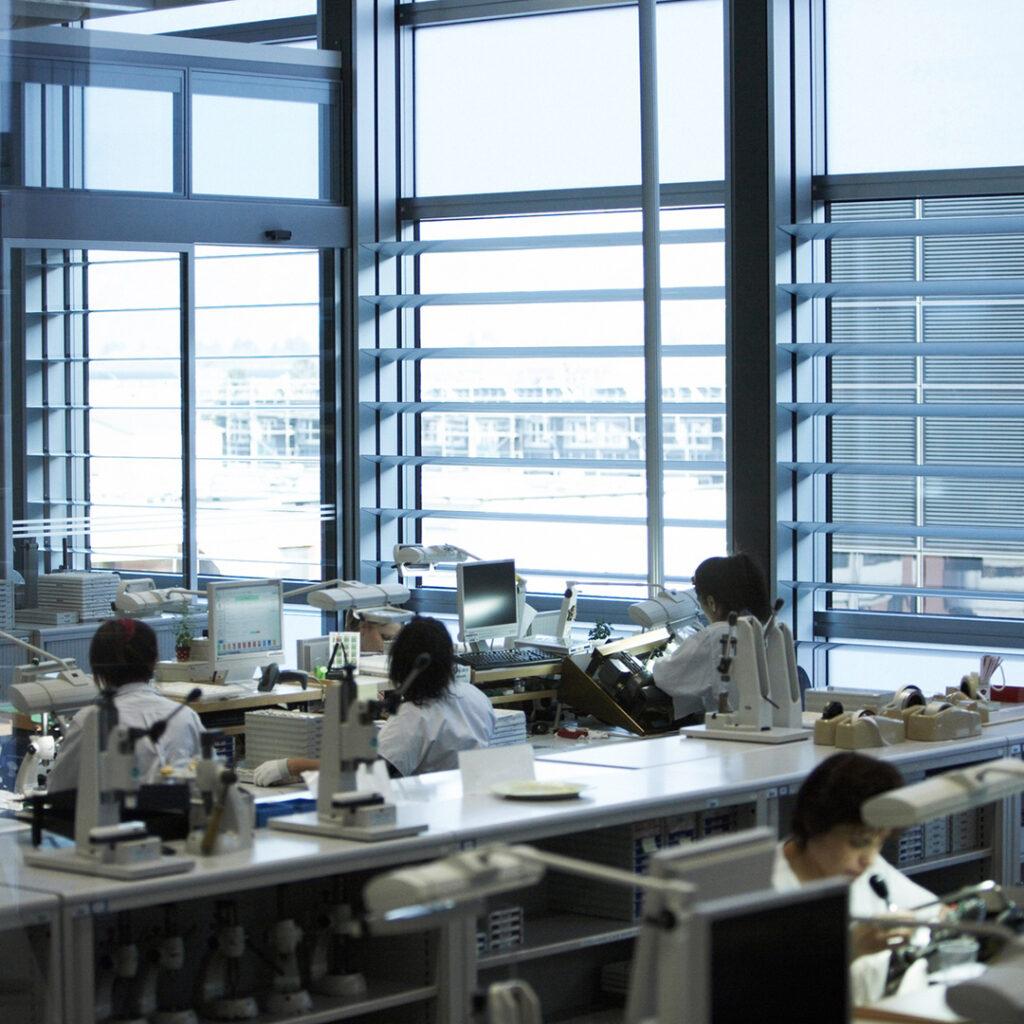 Rolex y Hublot paran producción por COVID-19